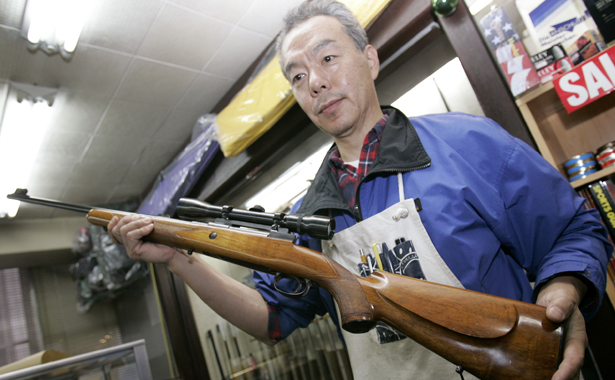 Even-gangsters-live-in-fear-of-Japan's-gun-laws-photo-www.theatlantic.com