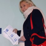 French Far Right Party Expected to Make Gains in Sunday's Elections (photo Reuters)