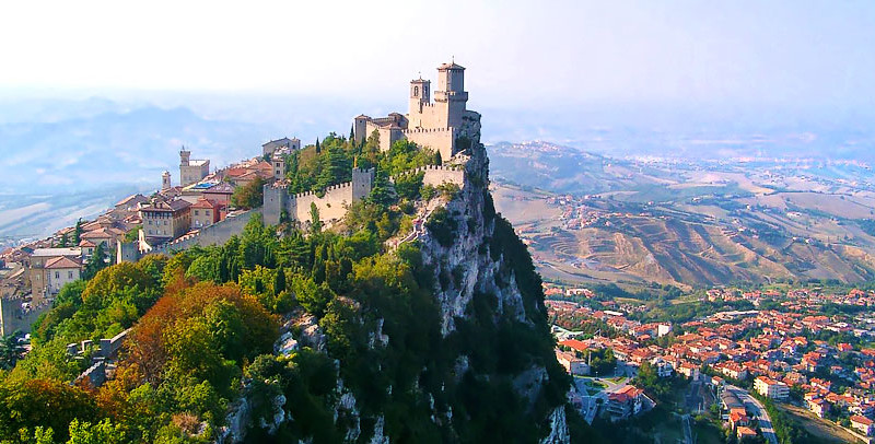 Travelling with a powerless - San Marino (photo www.iamaileen.com)