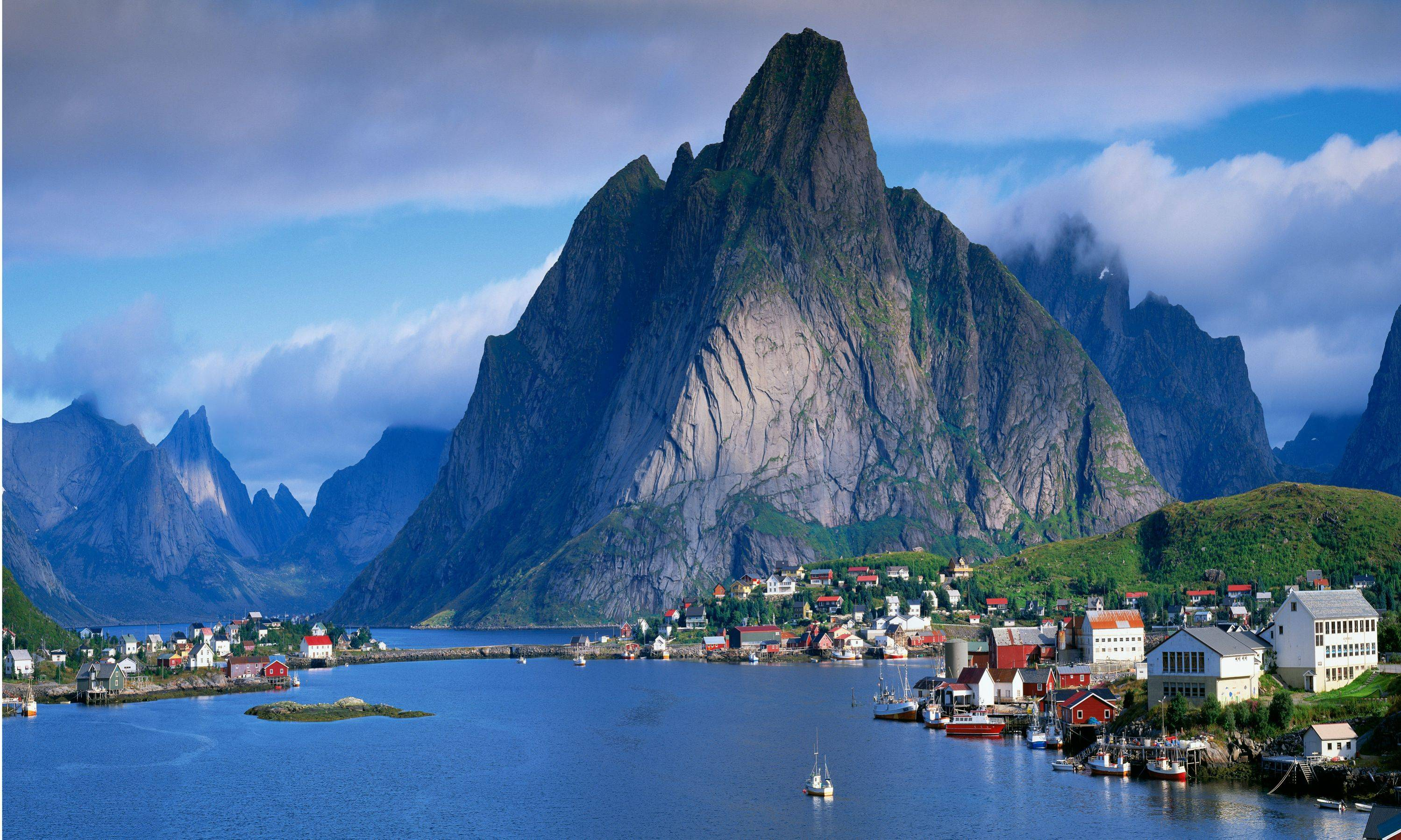 Living in the world's most reputable countries Norway (photo - thecarefreetraveler.com)