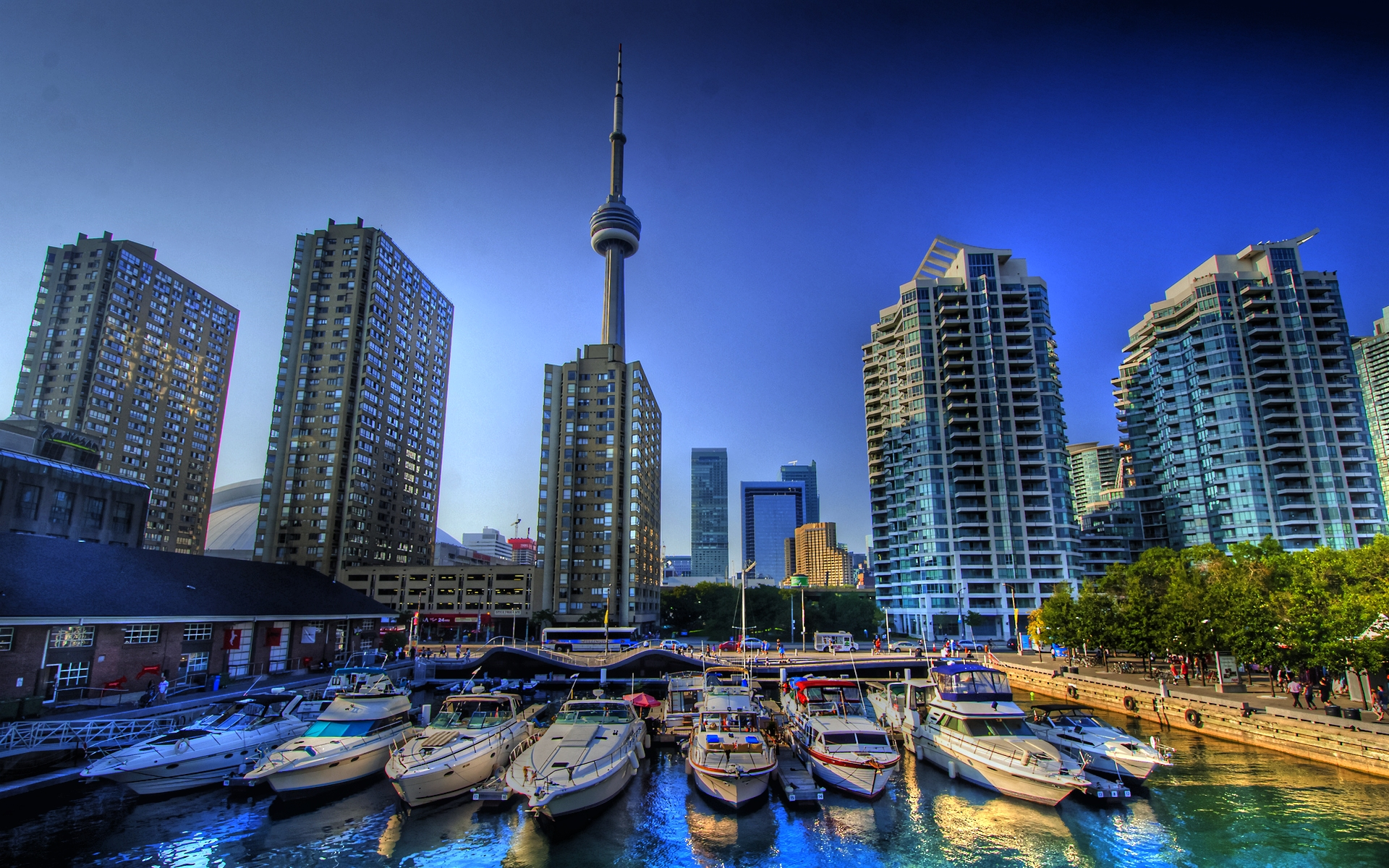 Living in the world's most reputable countries Toronto Canada (photo - www.hdwallpapers.org)