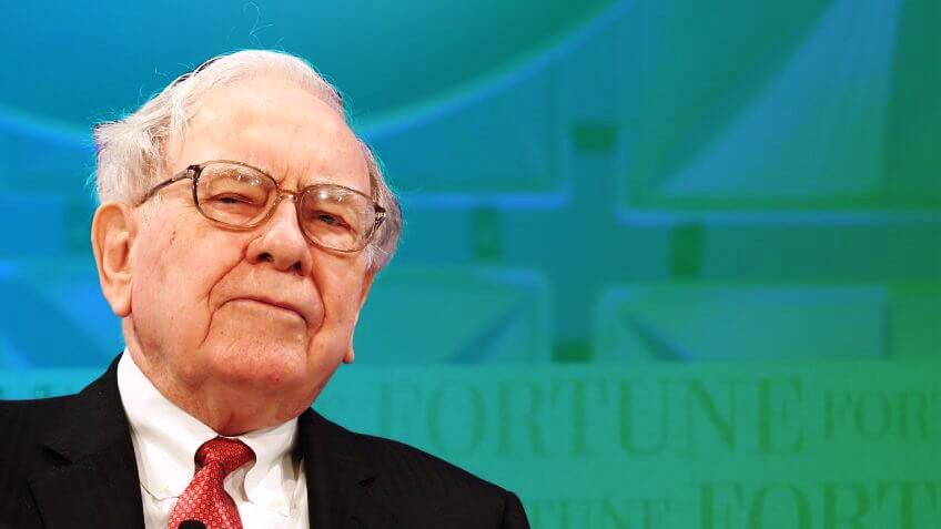 21 Life Hacks from Warren Buffett that anyone can use