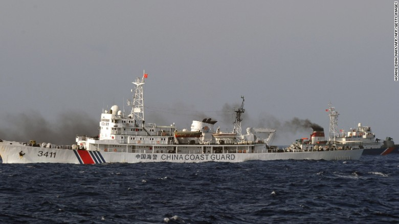 Chinese ship forces US destroyer off course