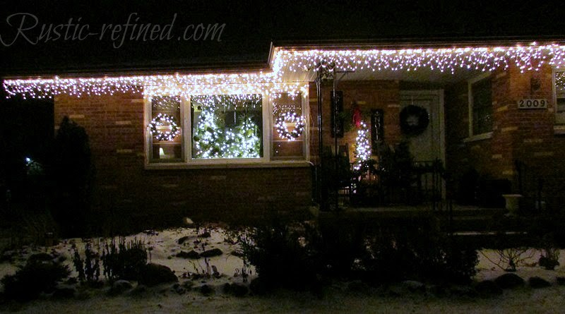 How To Hang Christmas Lights The Easy Way 5 Photo Www Rustic